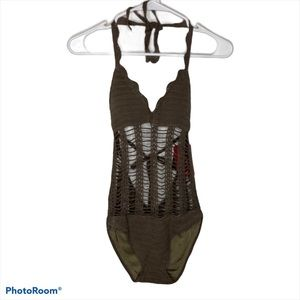 Beauty &the Beach One Piece Swimsuit NWT M